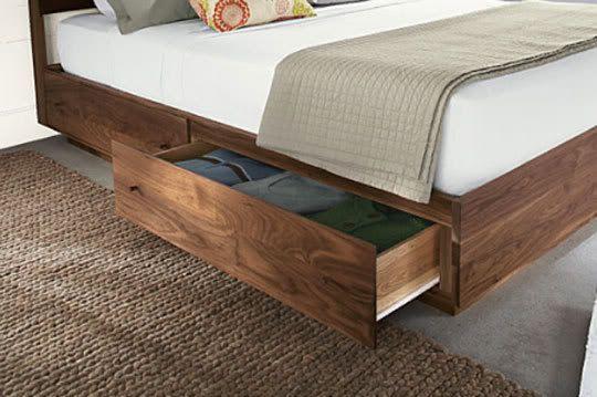 houten bed met lades