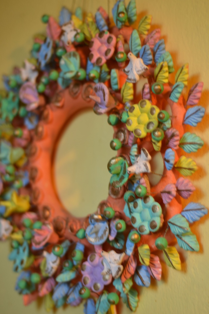 Mexican wall wreath....on my kitchen wall....deserves to be here.: Diy