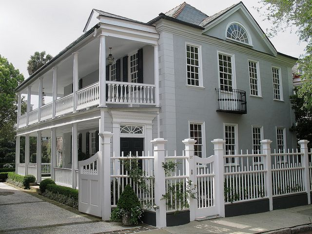 The classic charleston single house architectural style for Charleston style house plans side porch