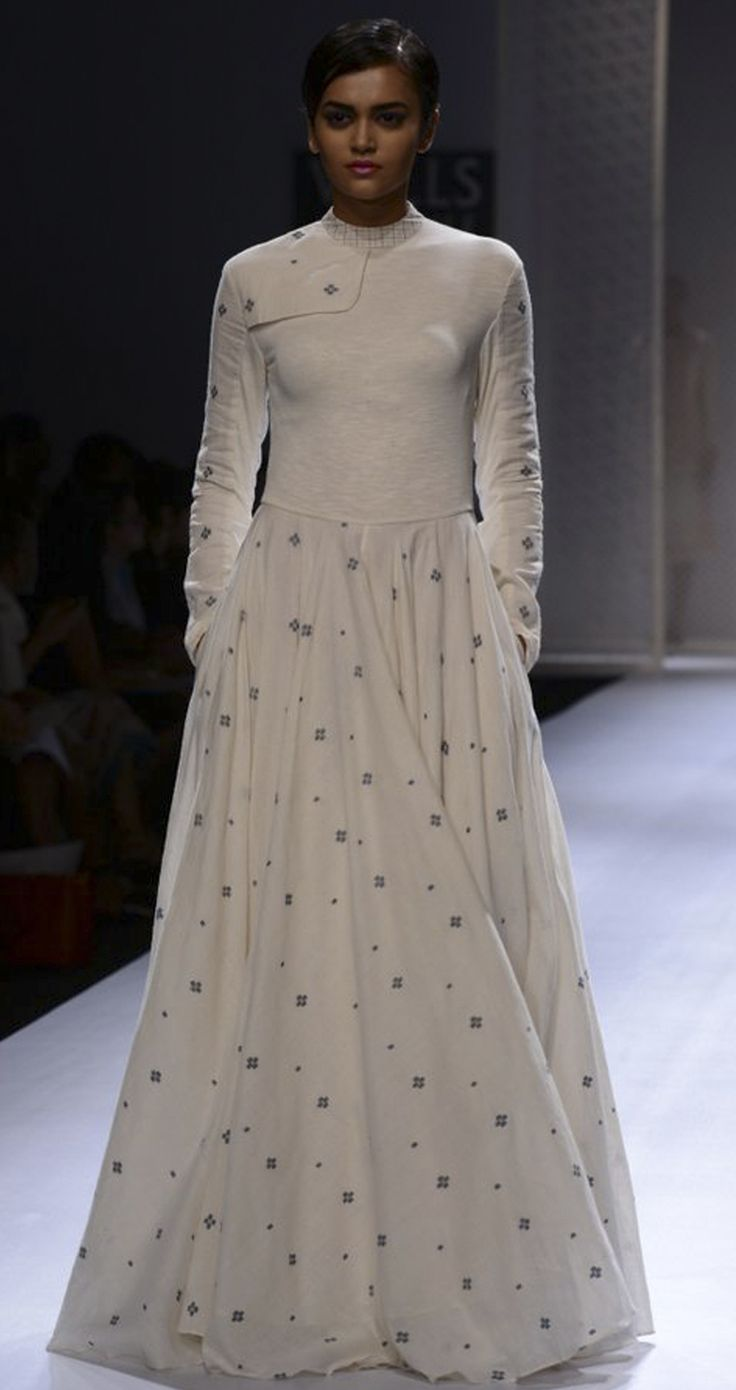 Hand woven jamdani jersey long dress by RAHUL MISHRA. http://www.perniaspopupshop.com/wills-fashion-week/rahul-mishra #fashionweek #willslifestyleindiafashionweek