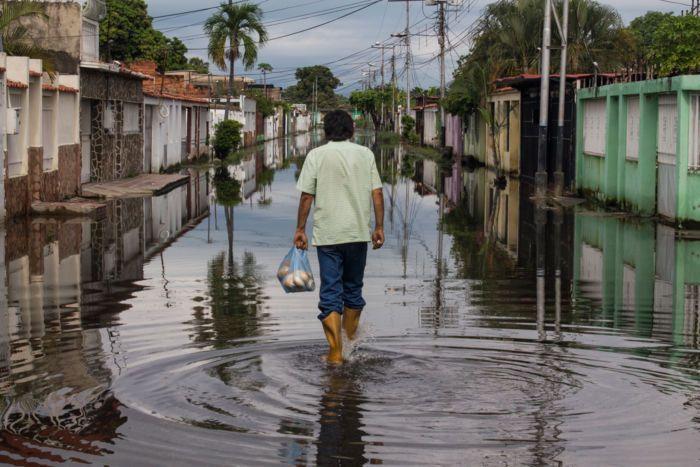 """""""El Lago nos está tragando"""", cuatro historias de familias afectadas en Aragua (Videos) https://link.crwd.fr/4XQw #AlquilerDeFincasEnEl #EjeCafetero #AlquilerDeFincas #AlquilerDeFincasEnAntioquia #AlquilerDeFincaenCundinamarca #FincasEnArriendo #AlquilerdeCabañas #FincasParaAlquilar #FincasDeTurismo #PaquetesTuristicos #CasasCampestres"""