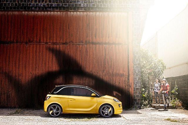 Des requins chez #Opel ! - Blog #Autoreflex #Opel Adam