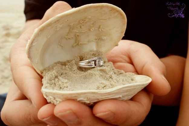 33 marriage proposals no one could say no to! Ok yeah, these are sweet. I love the Capt. PIcard one.
