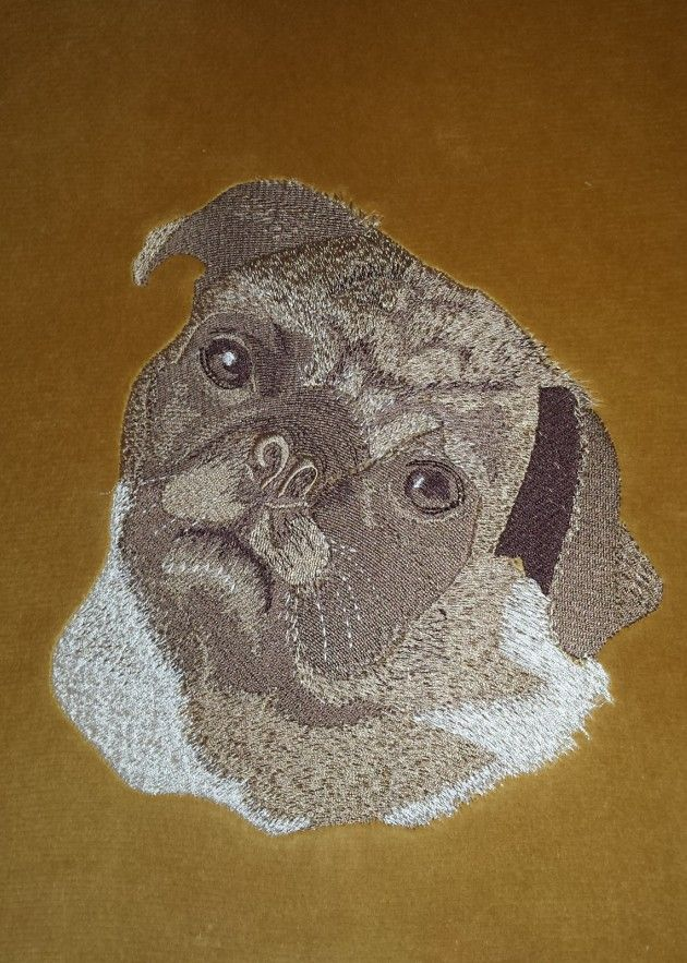 Mops haft na poduszce, Pug embroidery on pillow
