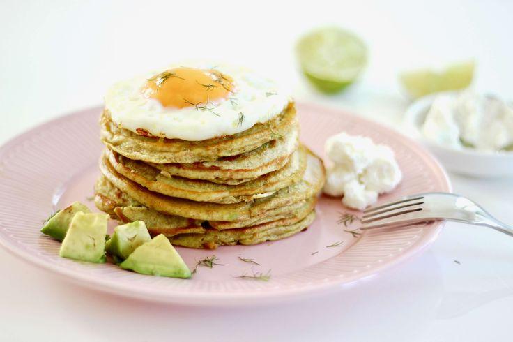 Avocado pannenkoeken met gebakken ei