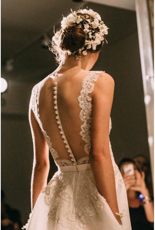 Une robe transparente