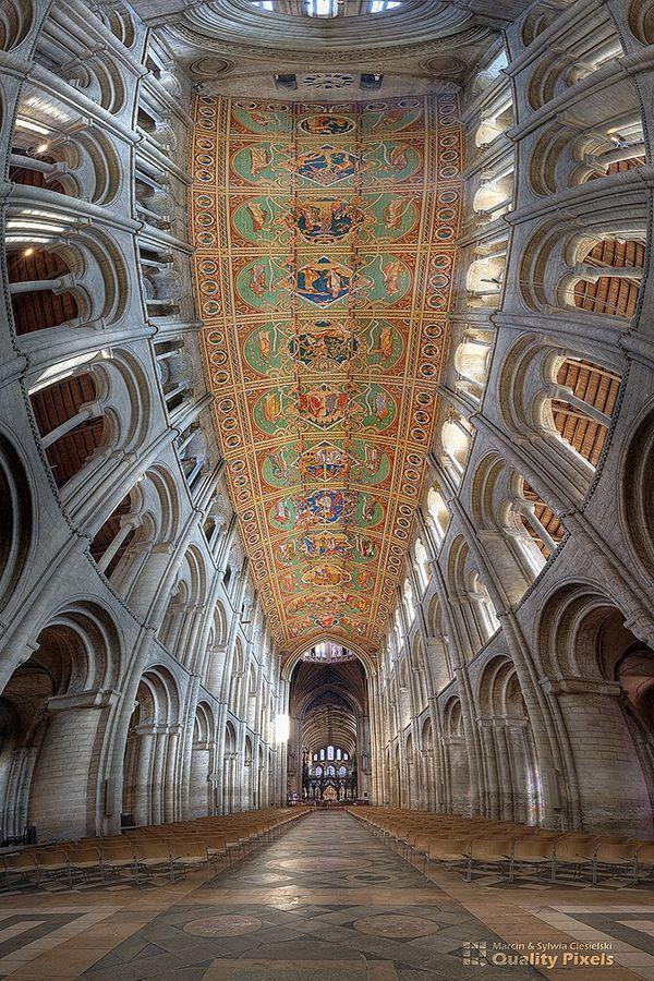 Ely cathedral  Die Kathedrale zeigt den voll erblühten, sicheren normannisch-romanischen Stil in der Architektur Englands. (wikipedia)