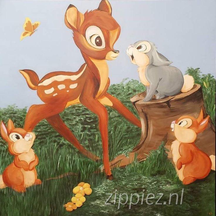 Schildering op houten paneel. Bambi en konijntjes
