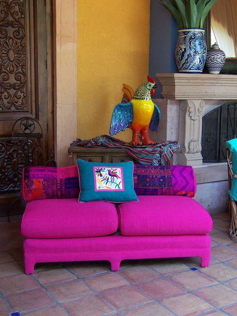 Sofa sin brazos. Se vienen los colores fuertes...un desafio a las pupilas, pero bello.