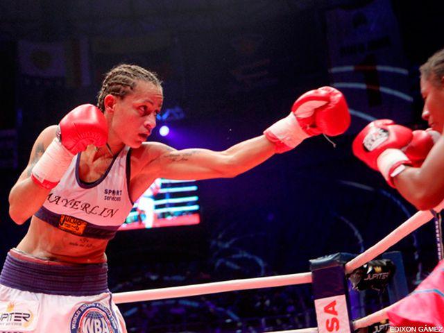 """La venezolana Mayerlin """"La Monita"""" Rivas obtuvo así el título absoluto de la Asociación Mundial de Boxeo en el peso gallo"""