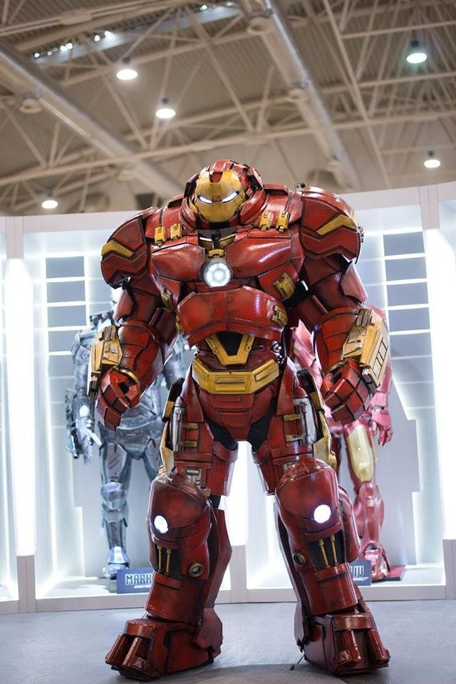 Iron Man Hulkbuster Cosplay