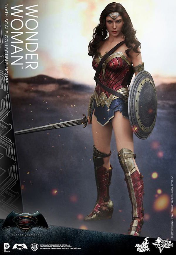 First Look: Hot Toys 1/6 Scale 'BvS' Wonder Woman Figure