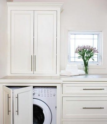 hidden washer/dryer = clean and nice