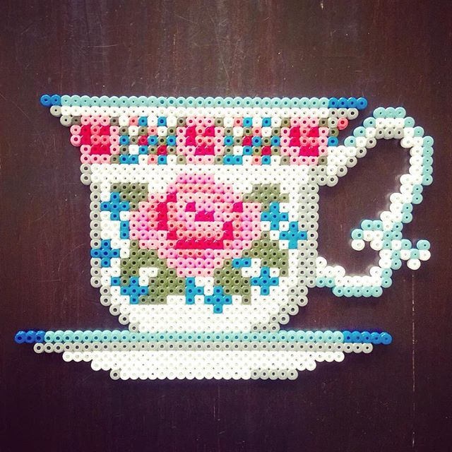 Vintage tea cup hama perler beads by tamatek - Pattern: https://www.pinterest.com/pin/374291419009336462/