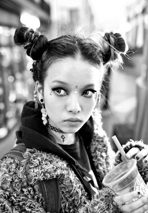 Great messy buns, 90's tattoo necklace...need I say more? Hirari Ikeda in Harajuku via Tokyo Fashion