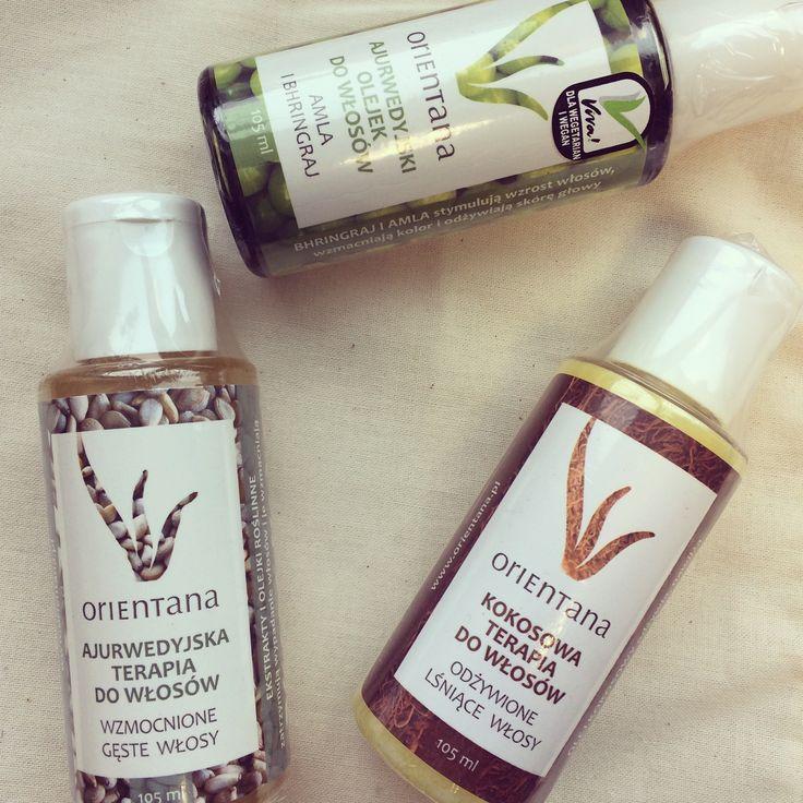 Ajurwedyjskie terapie do włosów to produkty, które w Indiach są powszechnie używane do olejowania włosów. Podstawa to zdrowa skóra głowy, co wpływa na kondycję i wygląd włosów. Naturalne Oleje Orientana dbają w naturalny sposób o nasze włosy!