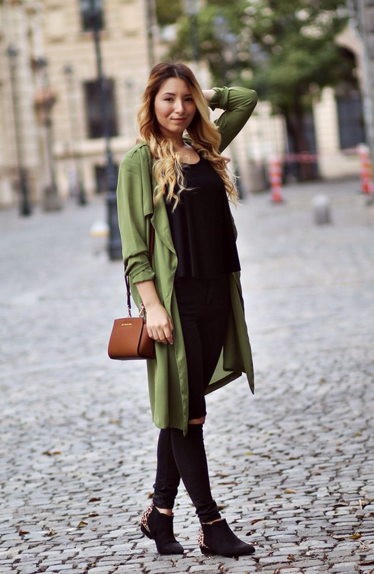 Street style - army coat, jacket, trench, cardigan, military outfit, all black outfit, ripped black jeans, chelsea black boots, leopard boots, michael korsmini selma brown bag - fashion blogger Andreea Ristea