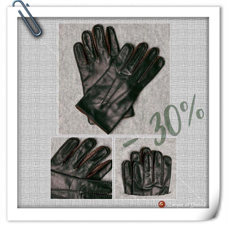 Green handstitcked lambskin gloves.  Omega guanti by Zampa di Gallina. http://www.zampadigallina.com/green-handstitcked-lambskin-gloves-with-silk-lining.htm