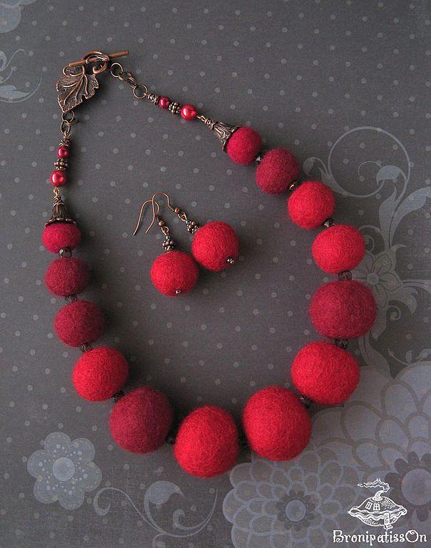 Купить Комплект Красный с показа Егора Зайцева в интернет магазине на Ярмарке Мастеров