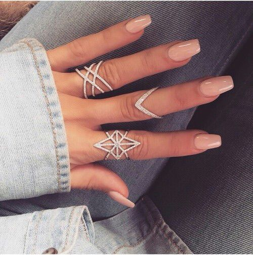 I really like the look of fashion rings with the nails! <3