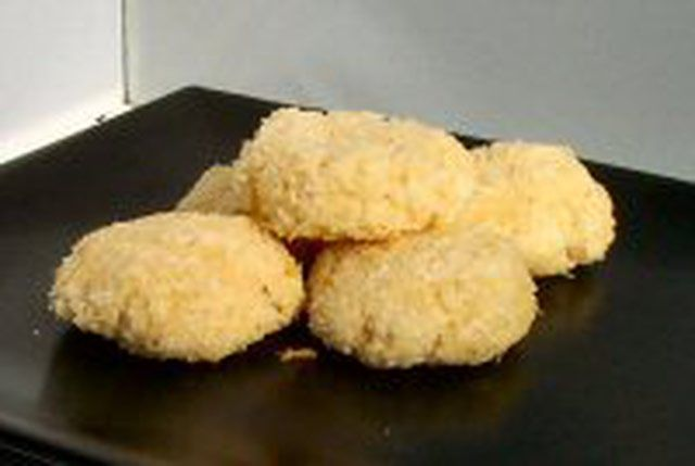 Try These Delicious Sugar-Free Coconut Macaroons: Coconut Macaroons - Sugar-Free and Low Carb
