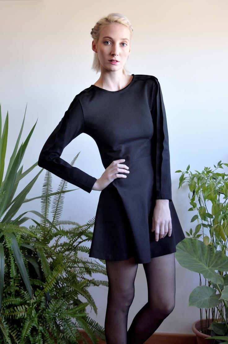 Aroma30 - Minimal chic Jersey dress with layers