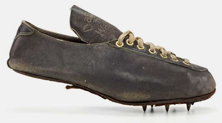 karl hein – modell waitzer – 1936, hammer throw boot worn at the olympic games in berlin shoe size: 10,5 (uk), 385 g