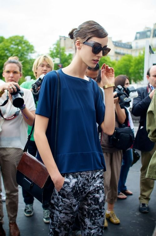 #fall #streetstyle: Models Off Duty, Blouses, Prints Pants, Printed Pants, Couture Weeks, Street Style, Model Street Style, Fashion Blogs, Cat Eye Sunglasses