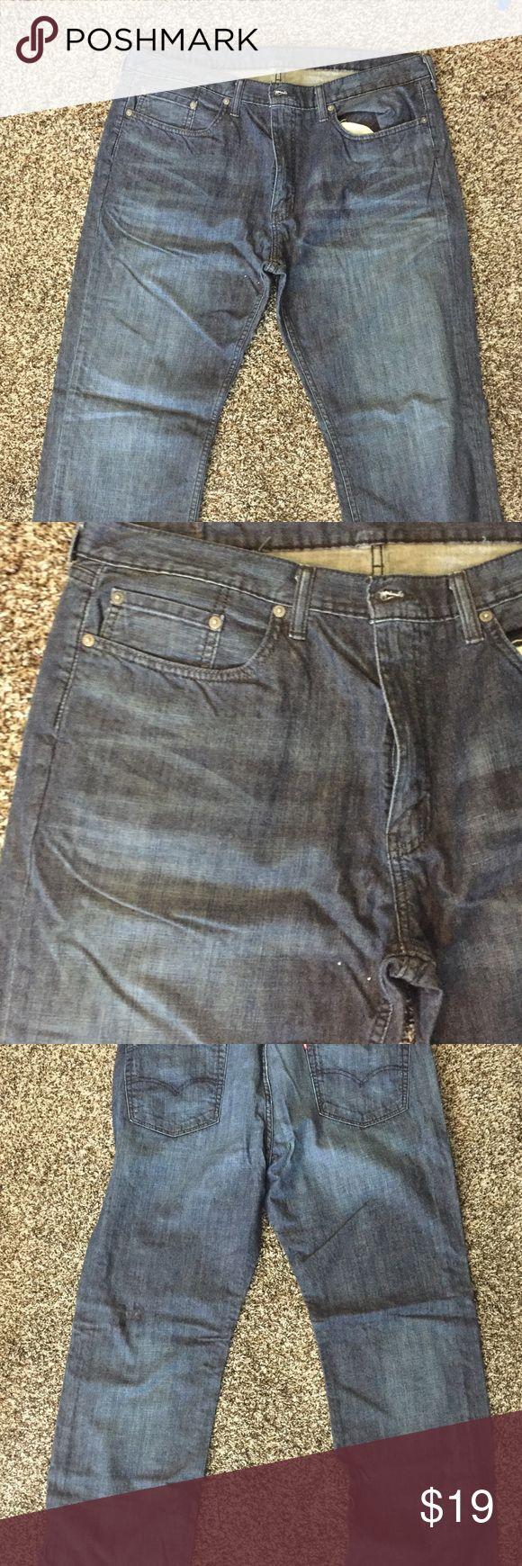 Men's Levi Strauss & Co Jeans size 38/32 Men's Levi Strauss & Co Jeans size 38/32, relaxed fit, comfortable nice jeans! Signature by Levi Strauss Jeans Relaxed