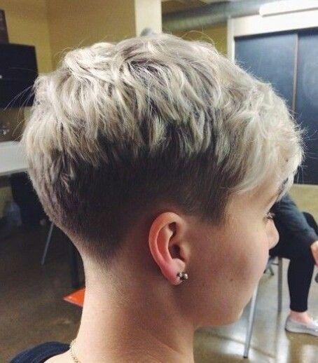 21 Stylische Pixie-Frisuren: Kurze Frisuren für Mädchen und Frauen #frisuren #kurze #madchen #pixie