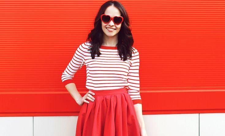 Ook de kleuren van je kledingkunnen je humeur beïnvloeden. Zo helpt een rode outfit je op een slechte dag daadkrachtiger overkomen.