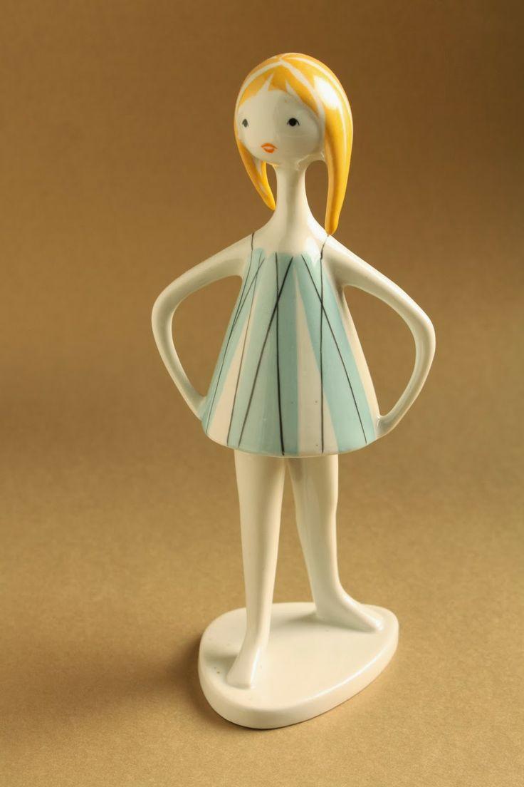 Art deco porcelánok: Strandoló kislány - Drasche porcelán