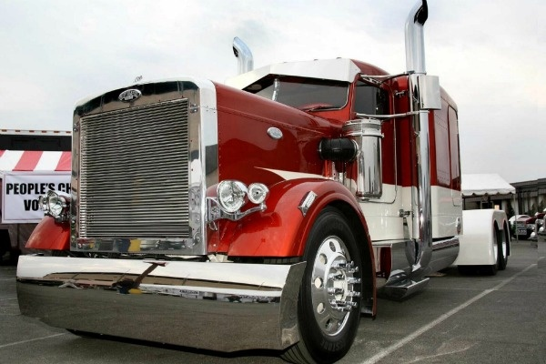 Big Rig Coming For You : Truck driving training things you should know about