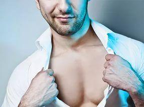 """Эпиляция для мужчин   Цикл """"Красота для мужчин""""  Многие мужчины, услышав это слово, непроизвольно зажмуриваются и дергаются – вырывание волос с корнем иначе как пыткой не назовешь. Некоторые представители сильного пола вообще не заморачиваются по поводу волос на теле, другие предпочитают традиционное бритье тех зон, где, по их мнение, пушистости быть не должно. Однако есть и настоящие смельчаки, которые в борьбе с оволосением используют биоэпиляцию.  Если поразмыслить, то эпиляция – гораздо…"""