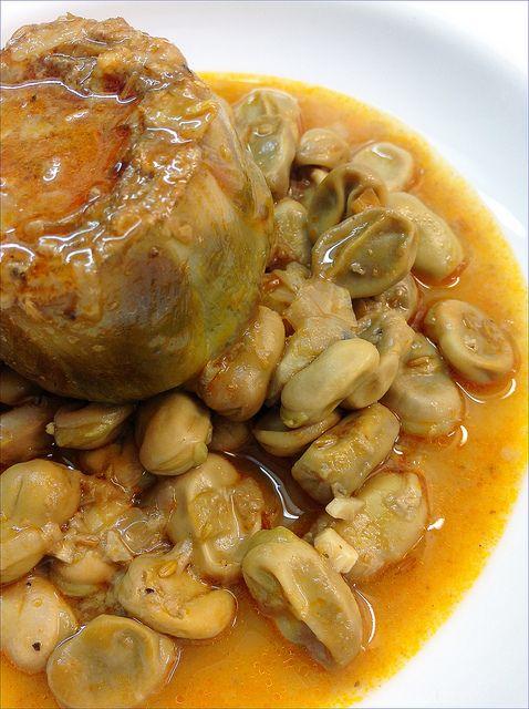 HABAS EN SALSA CON ALCACHOFAS  http://lasrecetasdemisamigas.blogspot.com.es/2013/05/habas-en-salsa-con-alcachofas.html