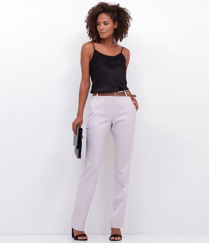 Calça feminina    Modelo reta    Alfaiataria    Marca: Cortelle    Modelo veste tamanho: 36             COLEÇÃO VERÃO 2017             Veja outras opções de    calças femininas.