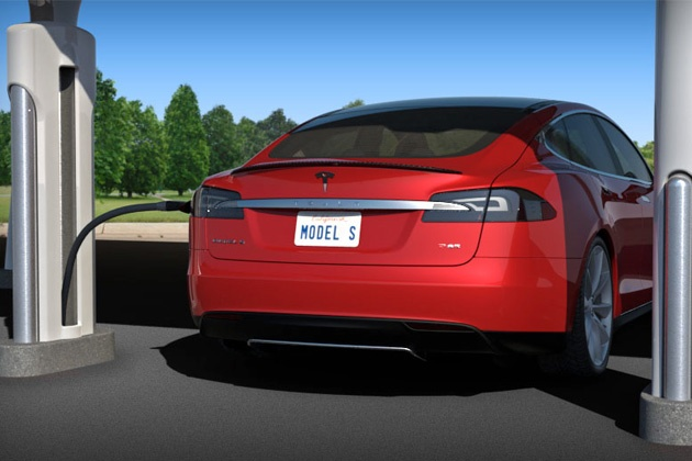 Tesla Fires Up Solar-Powered Charging Stations