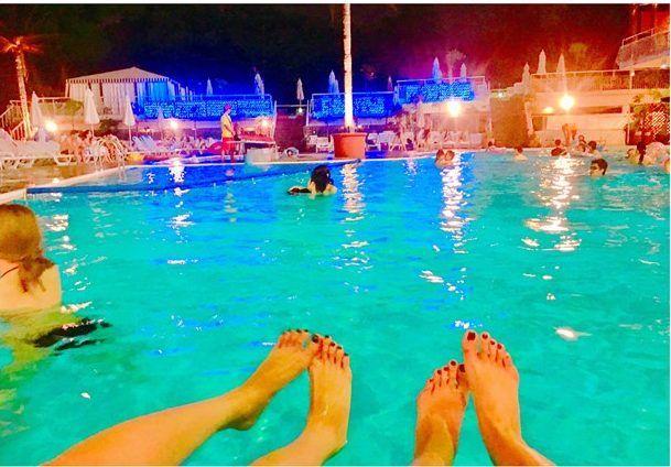 2017年も大人気 ホテルニューオータニ のナイトプールってどんな