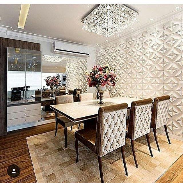 Essa parede com revestimento 3D é tudo de lindo, hein?!!!!  por formatodaarquitetura SIGA⏩@construindominhacasaclean Veja + no blog www.construindominhacasaclean.com ✔ Se você precisa de ajuda para...