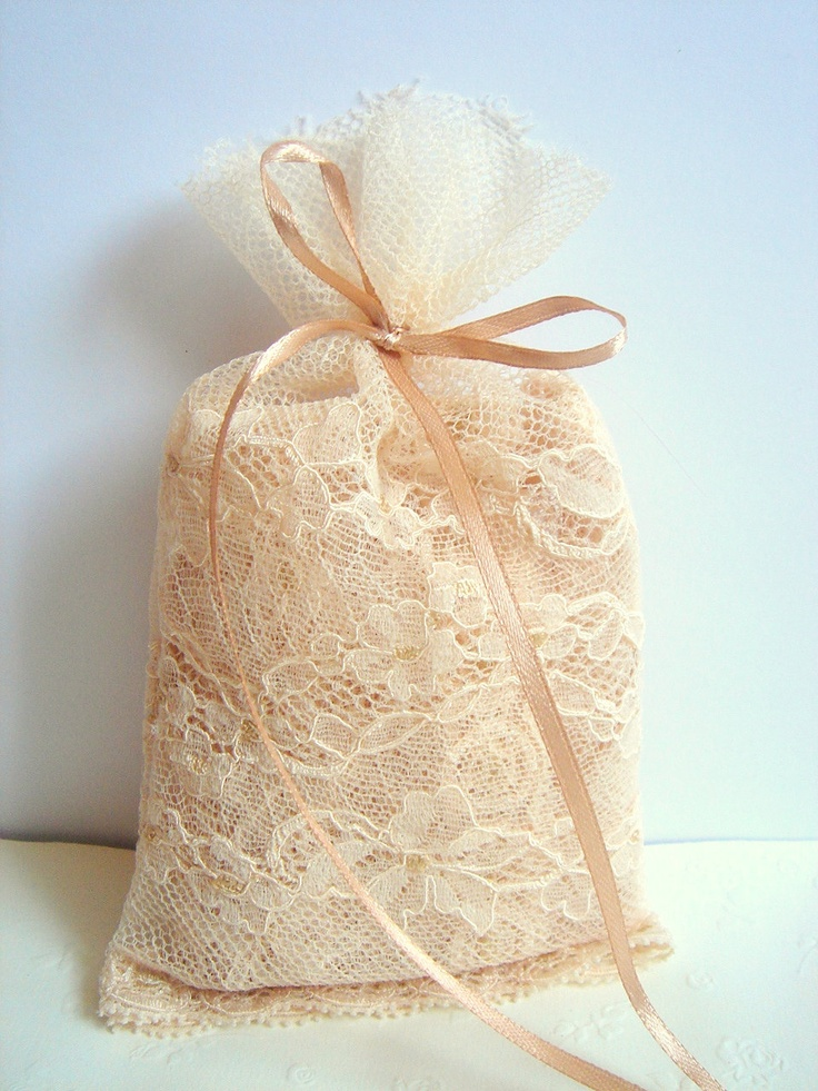 Lace Favor Bags,Vintage Favor bag, Wedding Favor Bags,Rustic Favor Bag, Vintage Lace Bags,Vintage Wedding. $80.00, via Etsy.