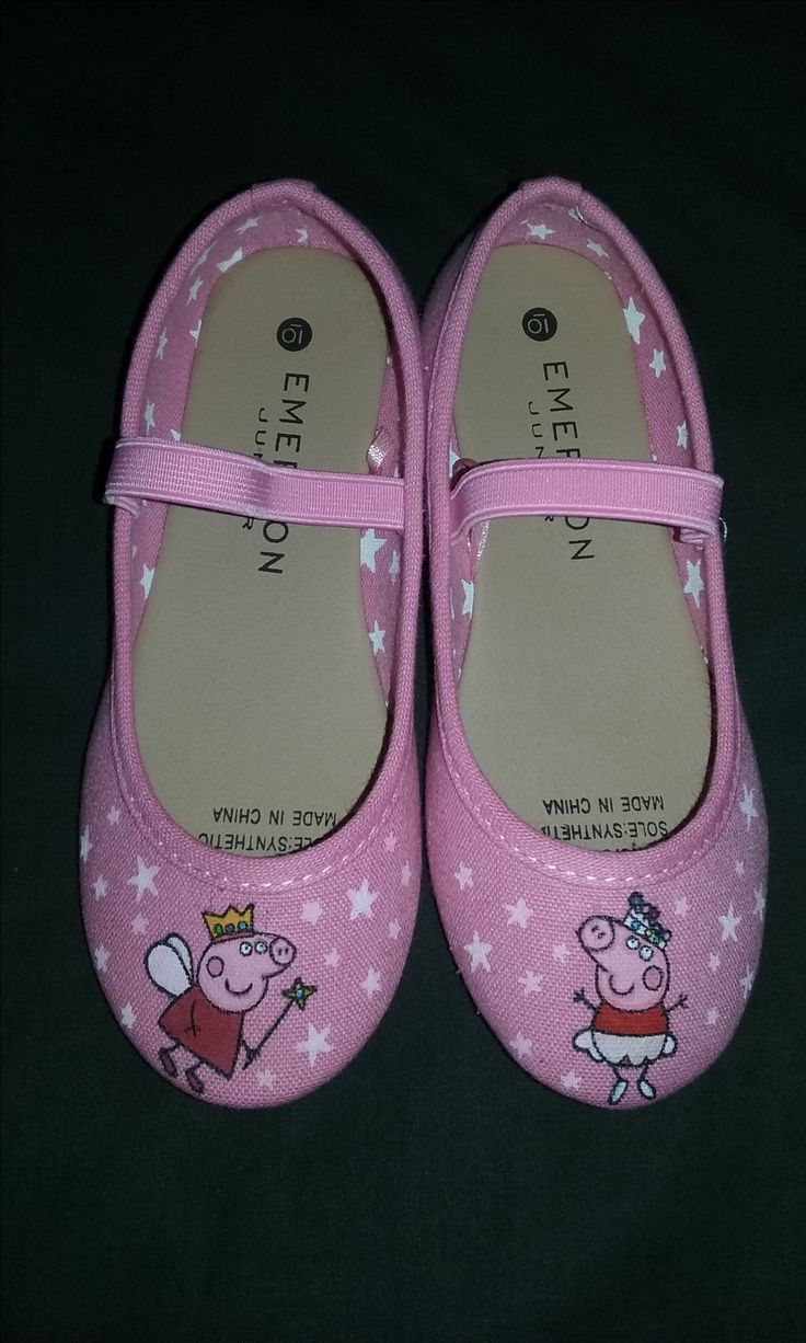 More people have been asking for the Peppa Pig shoes, so I've had to get creative so I don't have to do the same design every time.  I like this one better, which was due to me not being able to find any white canvas in this size.  I had to remove the bow that came standard with this pair.  But at least the holes left by the threads weren't bad.