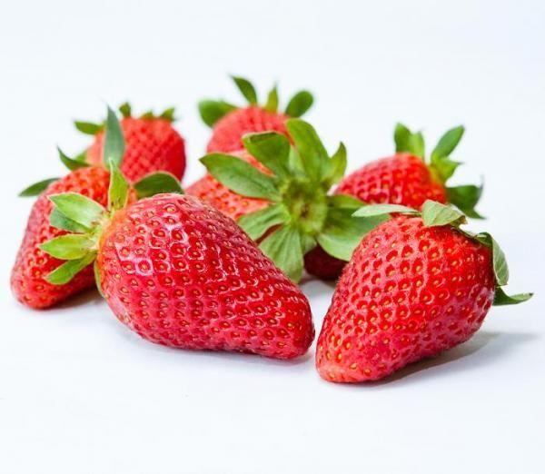 Cómo hacer fresas con chocolate - 5 pasos (con imágenes)