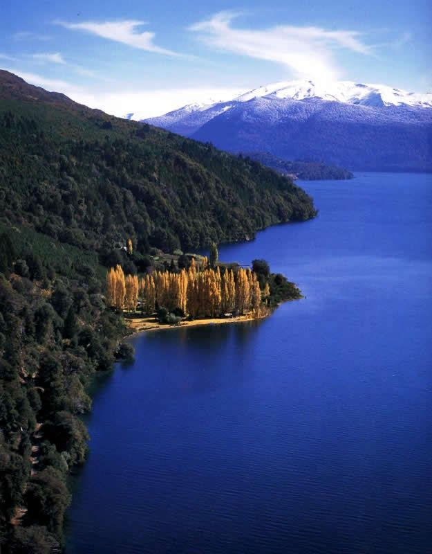 Lago Lolog, Neuquén, Argentina by Willy Kenning
