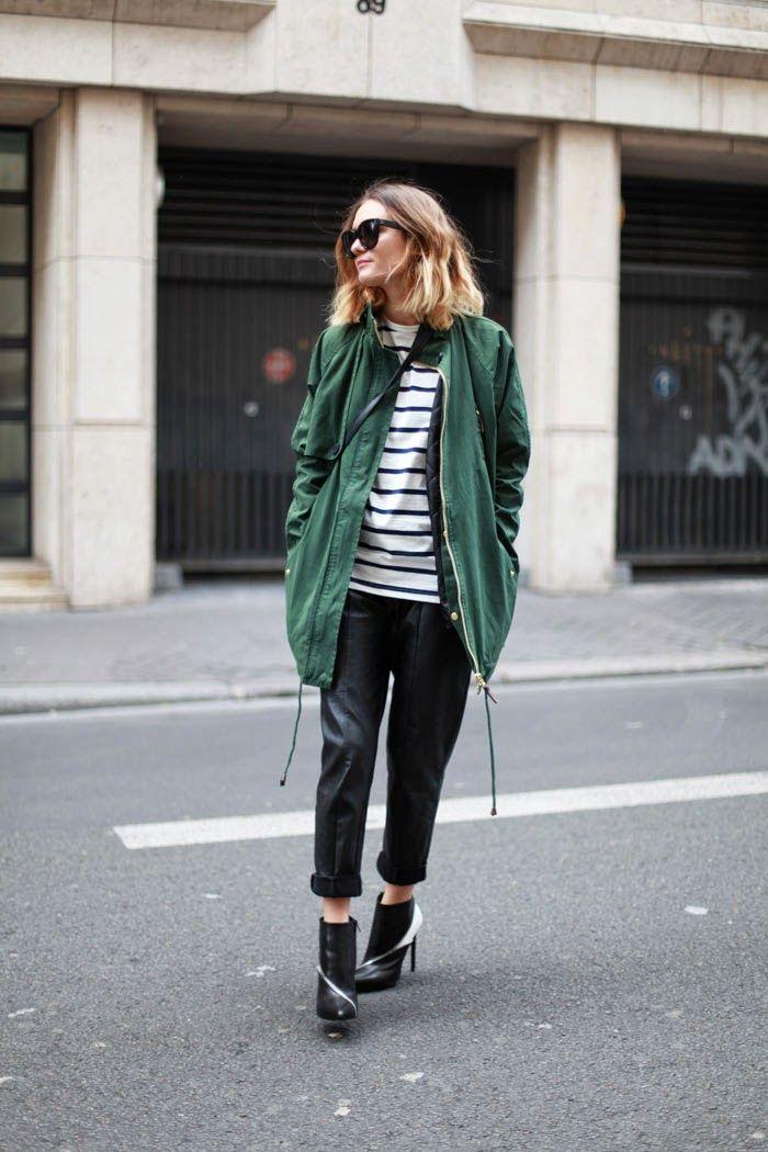 明るめのグリーンのモッズコート。 春っぽくていいですね。