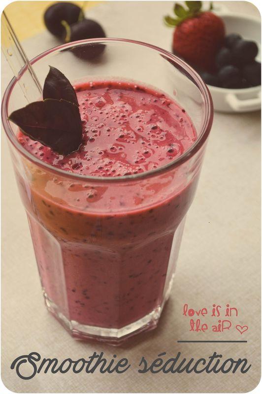 ..Smoothie cerises, fraises, bleuets et basilic pourpre..