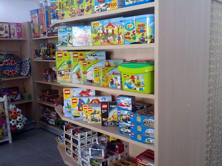 Oltre 25 fantastiche idee su scaffalatura su pinterest for Negozio di garage con alloggi