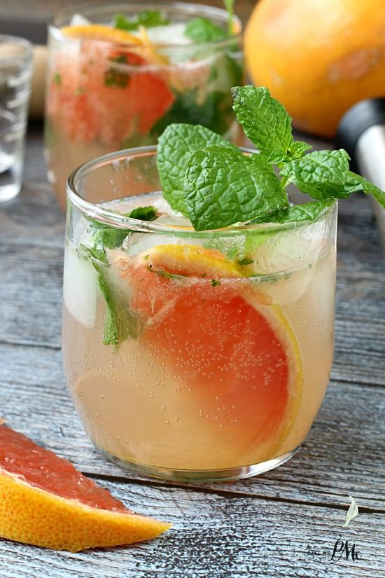 Champagne Grapefruit Mojito - The perfect mix of sweet and sour, this fruity cocktail will become your favorite.
