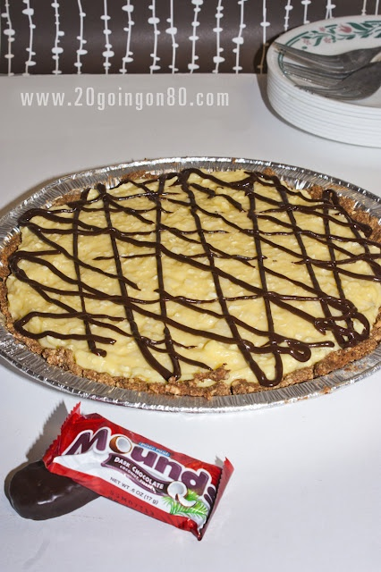 Lower calorie Mounds pie.Tasty Cereal, Mounds Pies, Healthy Desserts Recipe, Coconut Puddings, Pies Crusts, Pie Crusts, Chocolates Syrup, Healthy Dessert Recipes, Weights Loss