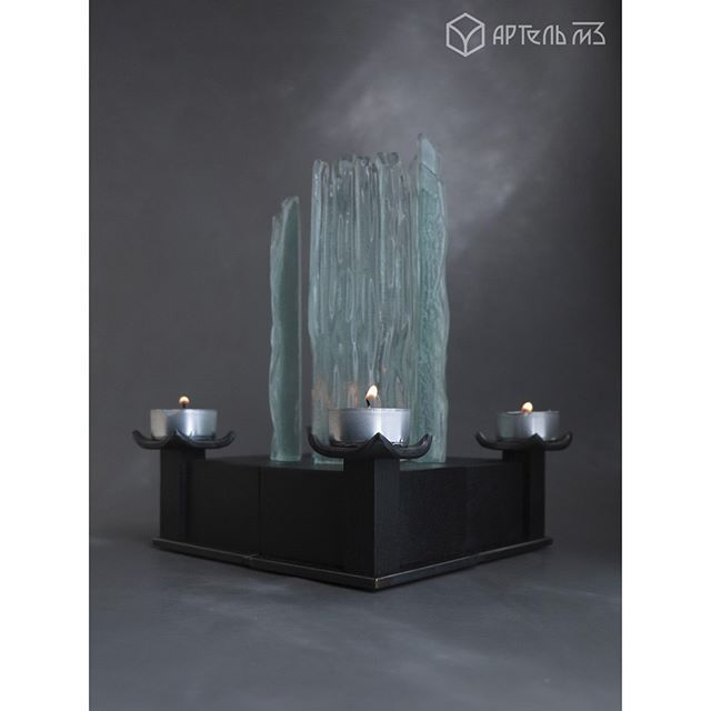 Артель м3 предлагает вам изделие - подсвечник  http://www.livemaster.ru/item/edit/15500701  серия: elementum (элементали)  Мы соединили элементы земли и воды*, дерева и металла, огня.  Пламя свечи, отражаясь в стекле замыкает цикл. *стекло производится из песка (земли), а по своей сути это жидкость (вода)  Прекрасный подарок для себя или друга, изготовленный исключительно ручным способом. Имеется возможность составить композицию из двух или четырех подсвечников.  m3artel #м3артель…