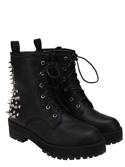 Ohhhh yes. Gimme these. Rivets Punk Rock Style Black Boots. Edgy and deadly all at the same time...!